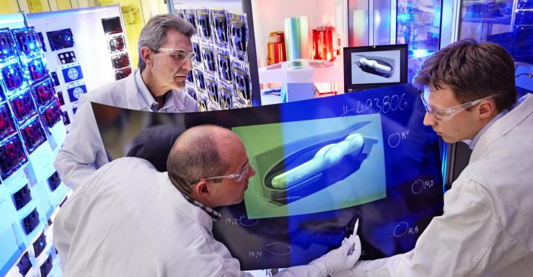 3D display technology for autos; information at your fingertips
