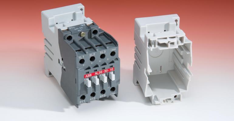 Flame-retardant PBT for use on railways